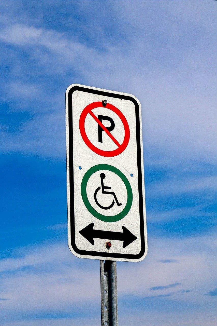 Stationnement pour handicapés : beaucoup d'incompréhension et de préjugés